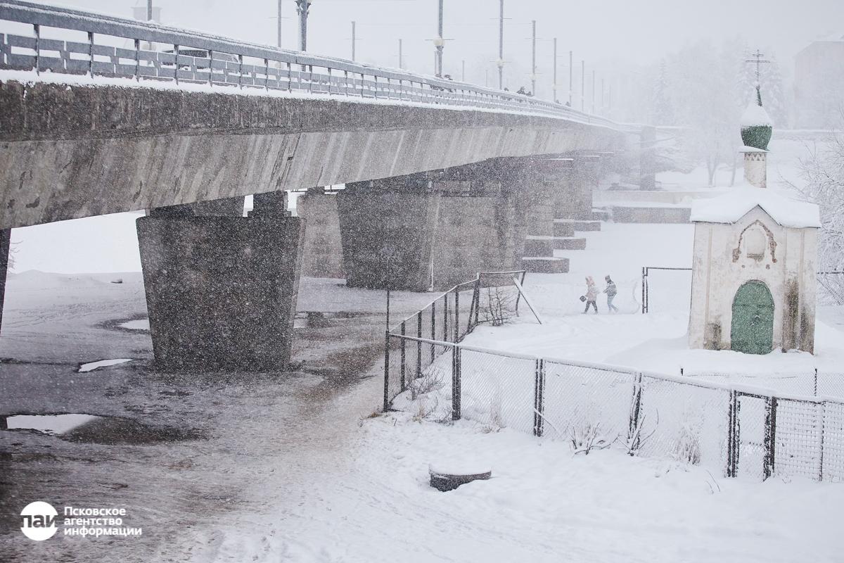 вечернее платье псковский циклон фото зимний период очень